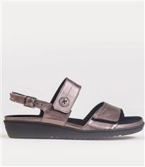 FROGGIE LEAD METALIC LEATHER DOUBLE BAND REMOVABLE FOOTBED SANDAL